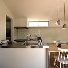 佐久のイエ: arc-dが手掛けたキッチンです。