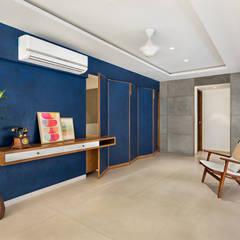 Open House:  Corridor & hallway by Studio Nishita Kamdar