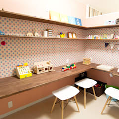 築40年木造戸建リノベーション: 杉工建設株式会社が手掛けた子供部屋です。,