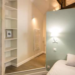 Création de Chambres d'hôtes: Chambre de style de style Moderne par MadaM Architecture