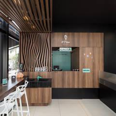 Gelateria il Primo Gelato: Espaços gastronômicos  por Okla Arquitetura
