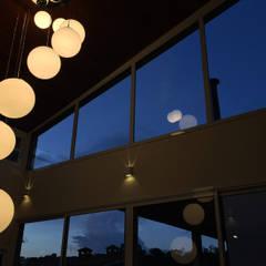 Abertura Central: Janelas   por Otoni Arquitetura