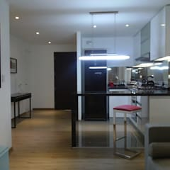 Departamento Piloto: Cocinas equipadas de estilo  por RW arquitectos SAC