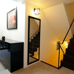 玄関: Sデザイン設計一級建築士事務所が手掛けた廊下 & 玄関です。