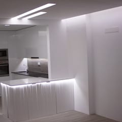 Kitchen units by CVZ Construcoes