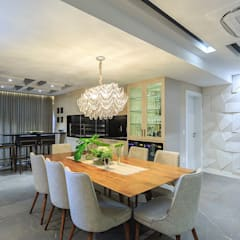Living integrado - sala de jantar e churrasqueira: Salas de jantar ecléticas por PANORAMA Arquitetura & Interiores