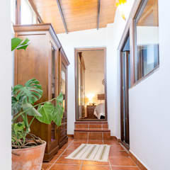 Corridor and hallway by Home & Haus | Home Staging & Fotografía