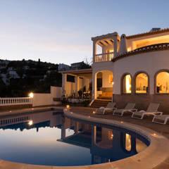 Home Staging y fotografía en apartamento en Villa Amani: Casas unifamilares de estilo  de Home & Haus | Home Staging & Fotografía