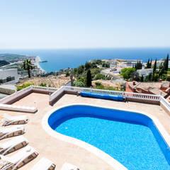 mediterraan Zwembad door Home & Haus | Home Staging & Fotografía