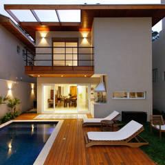 Casa Jardim por Otoni Arquitetura Moderno