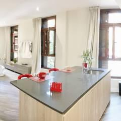 12 Apartamentos en Cava Baja: Hoteles de estilo  de B2Bconcept