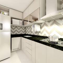 Cozinha: Armários e bancadas de cozinha  por Vila 03 Arquitetura