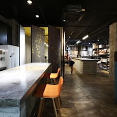 DESIGN & SUBMISSION SERVICES FOR FABRIC SHOWROOM & OFFICE:  Commercial Spaces by RSDS Architects