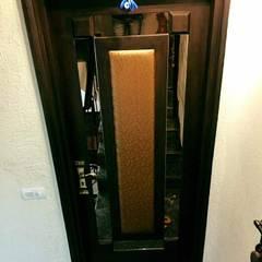 Pintu oleh M.U Interiors, Klasik