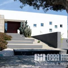 Einfamilienhaus von OBRA ATELIER - Arquitetura & Interiores