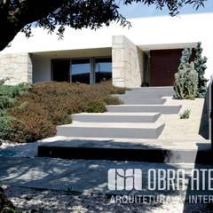 منزل عائلي كبير تنفيذ OBRA ATELIER - Arquitetura & Interiores
