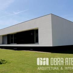 Mehrfamilienhaus von OBRA ATELIER - Arquitetura & Interiores