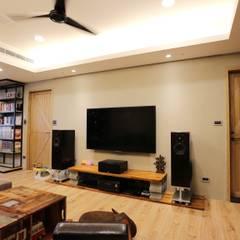 اتاق نشیمن توسط青築制作, صنعتی