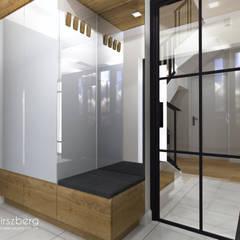 Dom pod Warszawą : styl , w kategorii Korytarz, przedpokój zaprojektowany przez ANNA HIRSZBERG 'HIRSZBERG' PRACOWNIA ARCHITEKTONICZNA