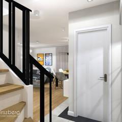 Dom pod Warszawą : styl , w kategorii Schody zaprojektowany przez ANNA HIRSZBERG 'HIRSZBERG' PRACOWNIA ARCHITEKTONICZNA