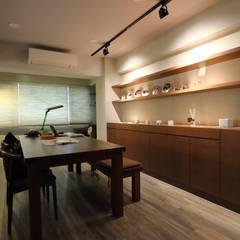 Oficinas de estilo  por 青築制作