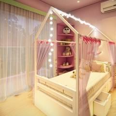 Dormitório infantil : Quartos das meninas  por 1001 Projetos Online