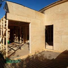 Casa Madera Minimalista 50m2: Casas de estilo minimalista por Incove Ingeniería y Construcción