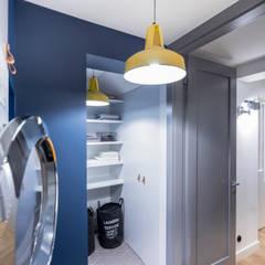 Apartament dwa poziomy: styl , w kategorii Piwnica win zaprojektowany przez Complete Home