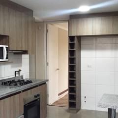 CASA ESTEVEZ: Muebles de cocinas de estilo  por AOG