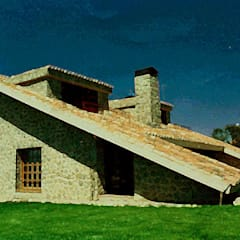 Country house by Manuel Monroy, arquitecto