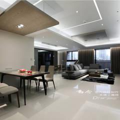 冷暖沉靜 休閒況味度假宅邸:  客廳 by 木博士團隊/動念室內設計制作, 現代風
