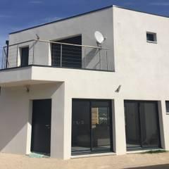 Maison individuelle à Marseille: Maison individuelle de style  par MEDAH ARCHITECTURE ET ECO LOGIS
