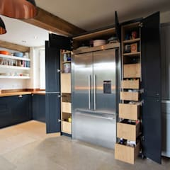 Built-in kitchens by Jim Sharples Furniture, Classic