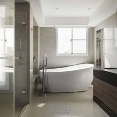 minimalistic Bathroom by 湘頡設計