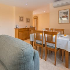 Home Staging en increíble chalet de L'Ampolla: Comedores de estilo mediterráneo de Home Staging Tarragona - Deco Interior