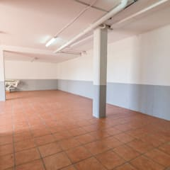 Garage/Rimessa in stile  di Home Staging Tarragona - Deco Interior
