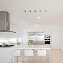 Built-in kitchens by GLR Arquitectos