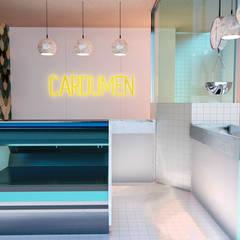 Ruang Komersial by GR arte & diseño