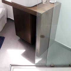 Baño Sala de TV - RESIDENCIA YK2: Baños de estilo  por Molcajete Arquitectura Interiores Diseño
