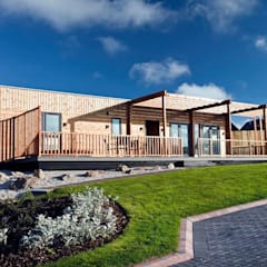 Gwel an Mor 360 Tour of High Spec Lodges, Cornwall:  Detached home by Building With Frames