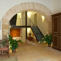 CAN CERA: Hoteles de estilo  de FSarquitectura