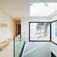Casa en Cala d'Or: Pasillos y vestíbulos de estilo  de FSarquitectura