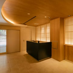 エントランス2: 一級建築士事務所 アリアナ建築設計事務所が手掛けたホテルです。