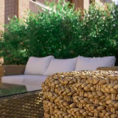 Zona living: Giardino in stile  di AbitoVerde