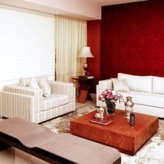 LIVING CONTEMPORÂNEO COM TOQUE CLÁSSICO: Salas de estar clássicas por Adriana Scartaris design e interiores