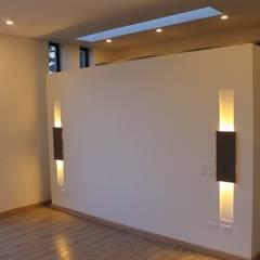 CASA VALENCIA: Habitaciones de estilo  por IngeniARQ Arquitectura + Ingeniería, Moderno