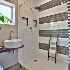 Devonshire Hills:  Bathroom by Studio Do Cabo