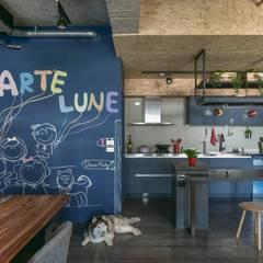澄月:  系統廚具 by 澄月室內設計