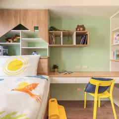 玩工業:  青少年房 by 澄月室內設計