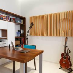 Экоквартира на Морском проспекте: Медиа комнаты в . Автор – FISHEYE Architecture & Design